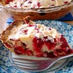 Готовим пирог из клюквы с взбитыми сливками