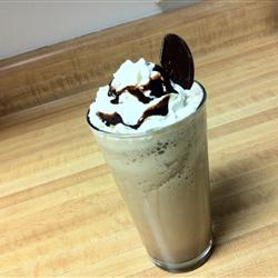 Кофе мокко с шоколадным сиропом