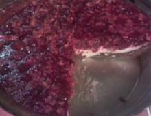 Пирог из клюквы с добавлением сока малины