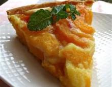 Пирог с персиком и сметаной